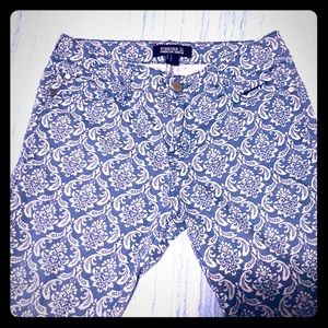 Forever 21 Patterned Skinny Jeans, EUC! Size 27
